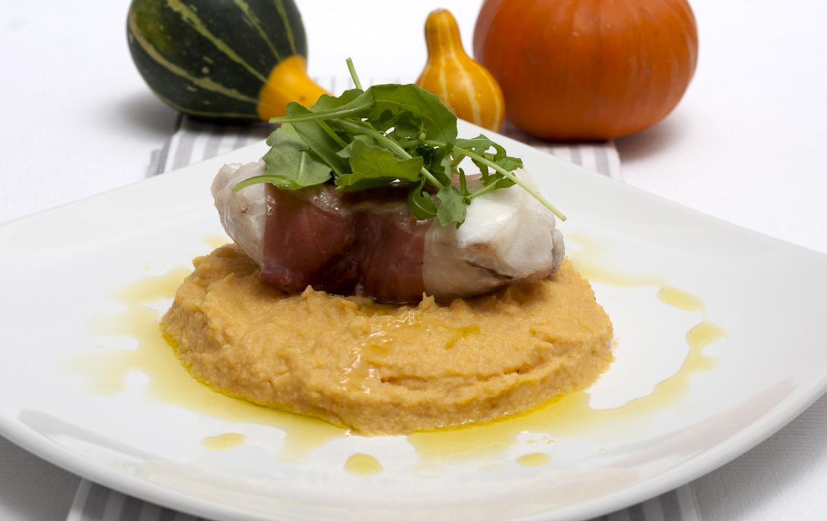 Halloween roasted monkfish with pumpkin mash foodsnaps for Monkfish and parma ham recipe