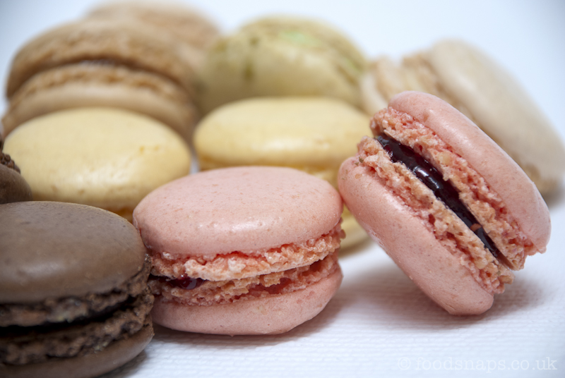 mini delicious french macarons foodsnaps. Black Bedroom Furniture Sets. Home Design Ideas