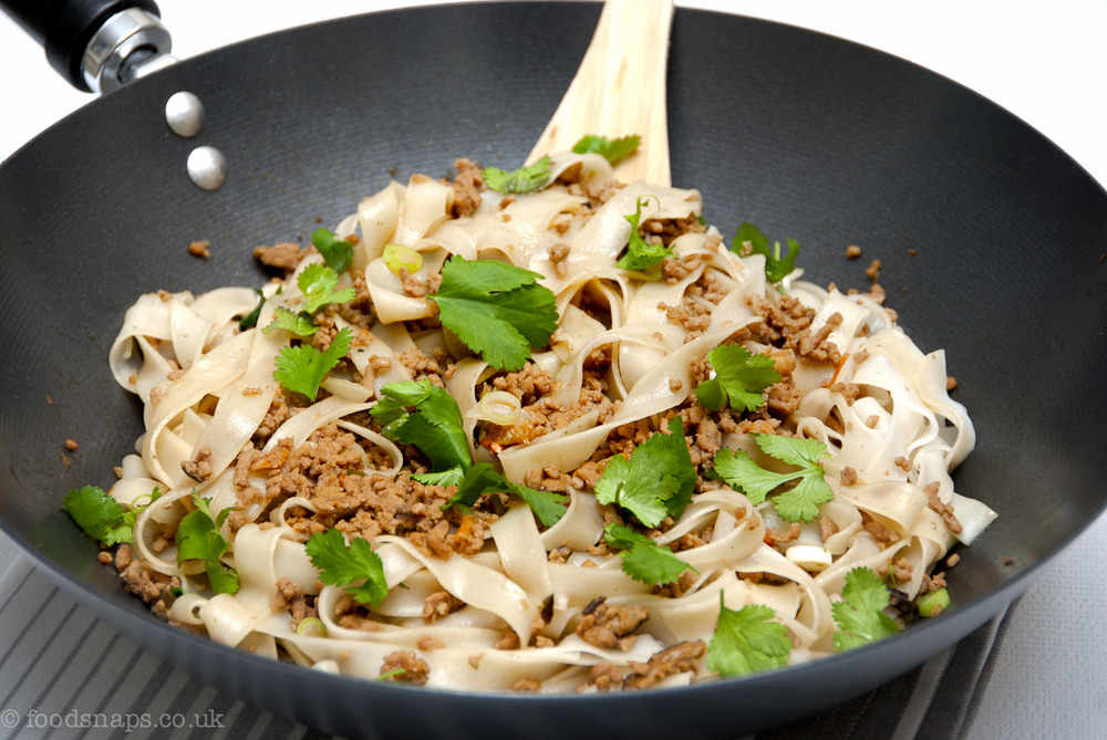 Minced soy pork with rice noodles